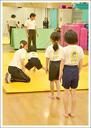 体操教室の子供達